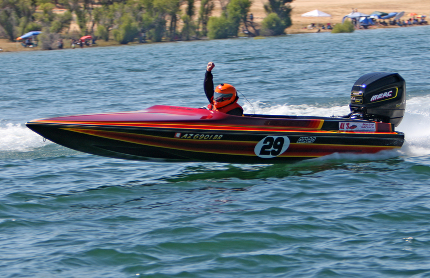 Circle Boat Racer Killed At Puddingstone